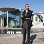 CDU-Bundestagsabgeordneter Friedrich Merz vor dem Deutschen Bundestag