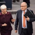 Gerda Hasselfeldt und Volker Kauder, Plenarsaal